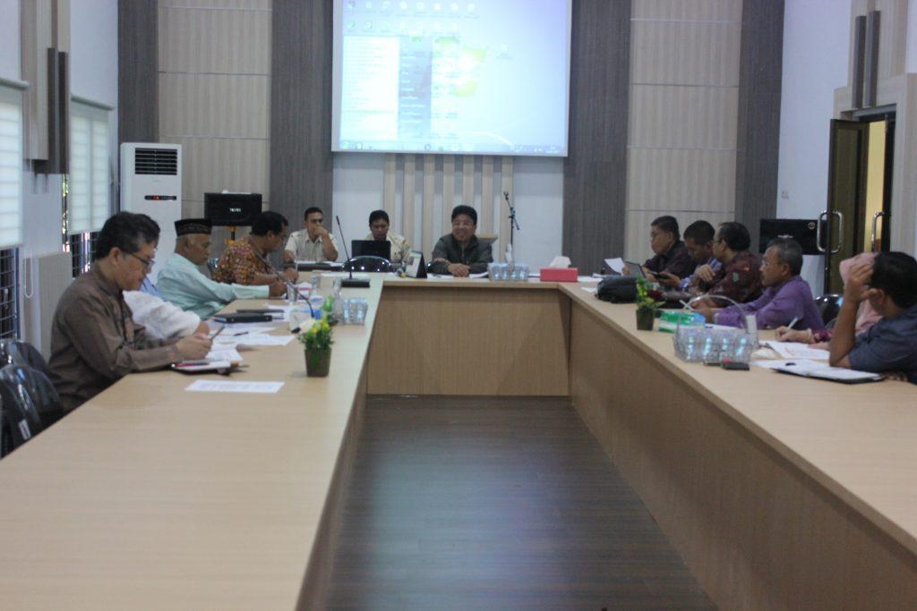 Ketua MPA Prof.Dr. Warul Walidin, AK, MA sedang memberi arahan